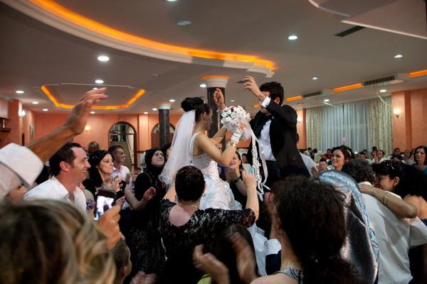 Matrimonio Combinato In Kosovo : Promessi sposi finti matrimoni per favorire immigrazione