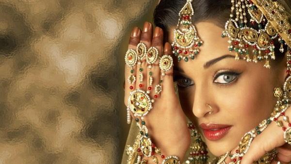 Articolo di piergiorgio pescali sul dramma degli stupri in - Aishwarya rai coup de foudre a bollywood ...