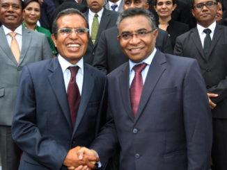 16 febbraio 2015 il primo ministro di Timor Est,  Rui Araujo (a destra) e il Presidente Taur Matan Ruak (a sinistra)  / AFP PHOTO / VALENTINO DE SOUSA