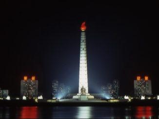 Pyogyang, la cosiddetta Torre Juche (Piergiorgio Pescali)