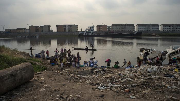 Kinshsa, la Cité du fleuve vista da Kangabwe, la periferia dove vivono i pescatori (Eloisa D'Orsi)