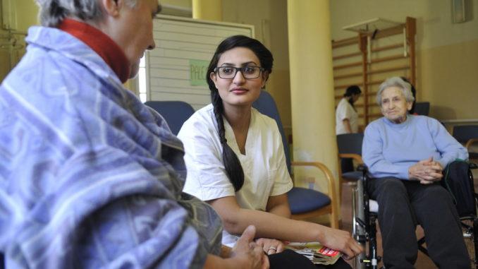 Reggiolo (Re). Aulakh Sahar Shahzadi, di famiglia di origine pakistana ha aderito al bando del Servizio Civile Straordinario nel periodo successivo al terremoto che ha colpito l'Emilia prestando la sua opera presso un Centro Diuo per anziani